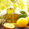 Extra_virgin_olive_oil_perfumed_with_lemon